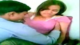 Desi dude tempted & screwed his super beautiful youthful desi amateur wife - xvideos.com.flv