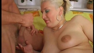 Pregnant oral pleasure from euro milf