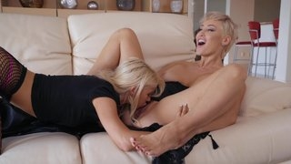 Busty housewife Ryan Keely pleasuring young girl with her tongue