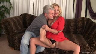 Curvy blonde mature with natural boobs gets rewarded with a good fuck